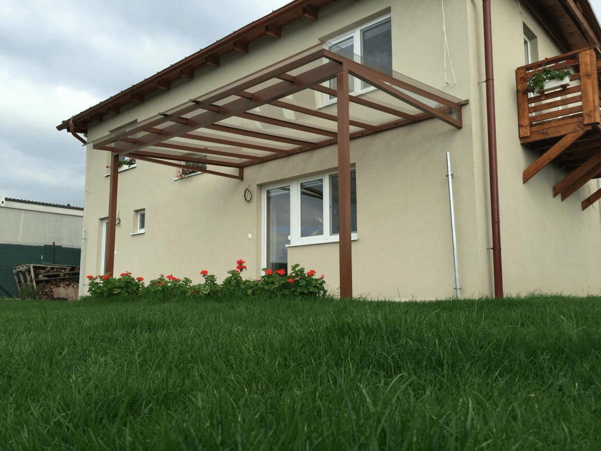 Cena zasklenia balkónov